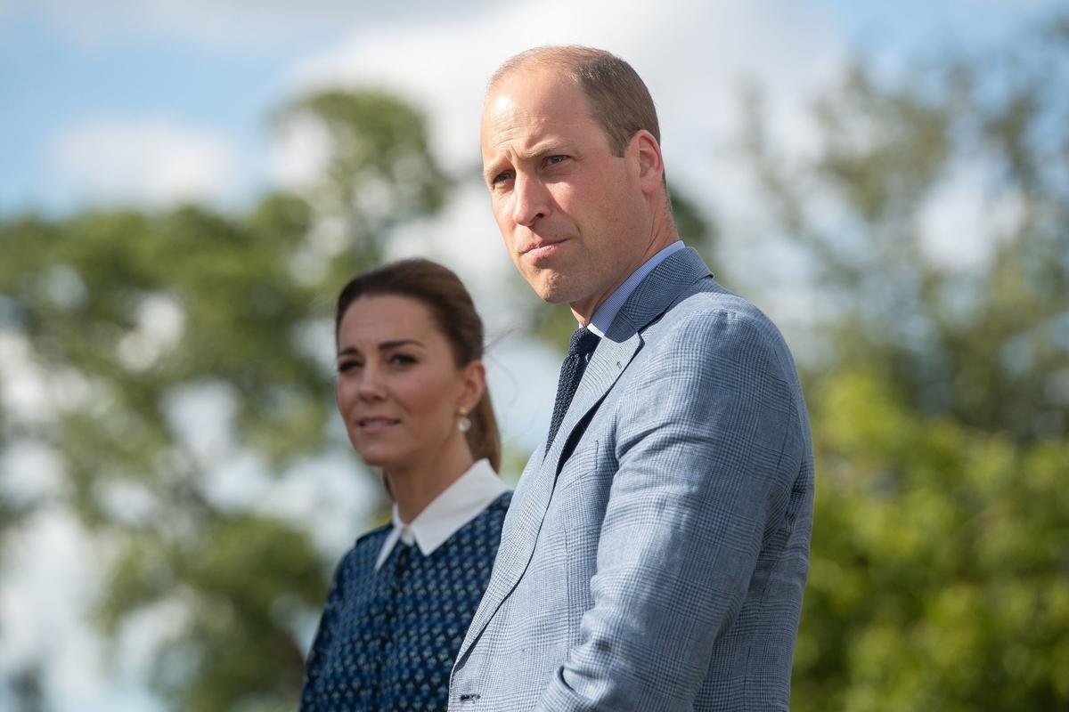 «Детки так подросли!»: Кейт Миддлтон и принц Уильям впервые вышли в свет с тремя детьми