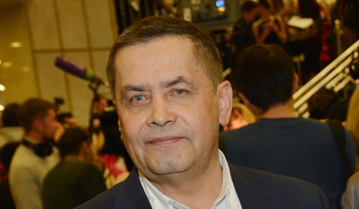 «За кулисами с моим семейством»: 64-летний Расторгуев показал взрослую красавицу-внучку