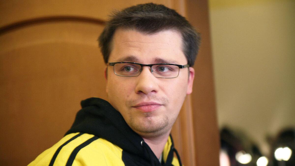 «Дятел хрипатый»: участницы шоу «Игра» прилюдно унизили Харламова