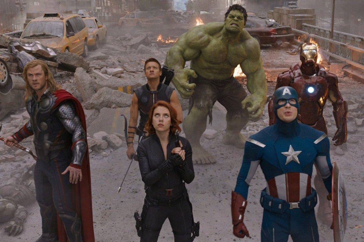 Кто озвучивает Мстителей в фильмах Марвел на русском?