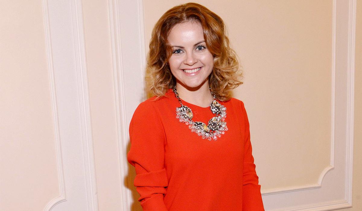 «Я просто очень похожа на Ирину Муравьеву»: жену Николаева в театральном образе не узнали фанаты