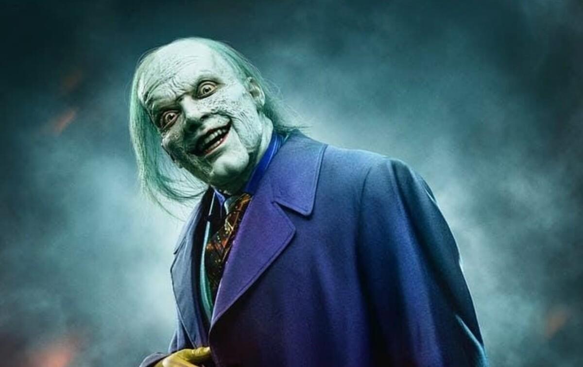 Новые закадровые фото «Готэма» показали пугающего Джокера в исполнении Камерона Монахэна
