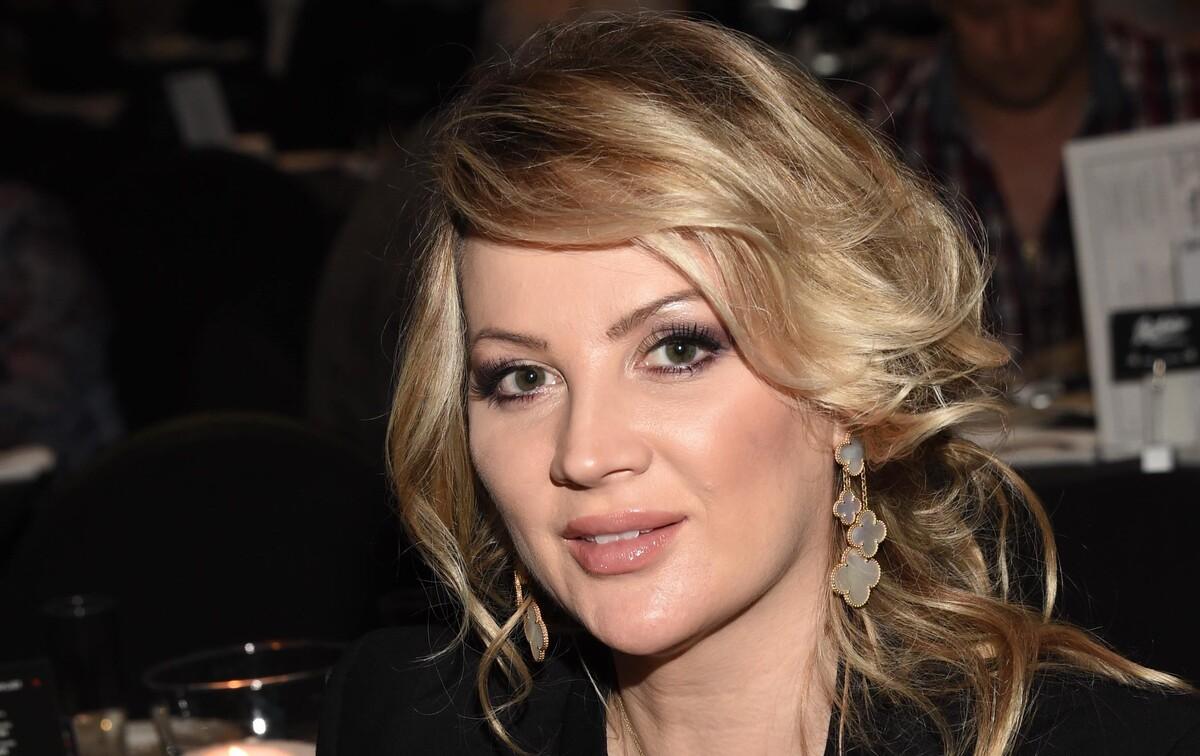 «Эшли Грэм продемонстрировала»: жена Михайлова объяснила «пеньюар» на красной дорожке