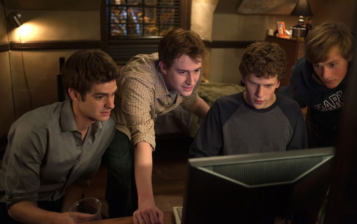 Впервые посмотрев «Социальную сеть», Эндрю Гарфилд и Джесси Айзенберг были крайне недовольны фильмом