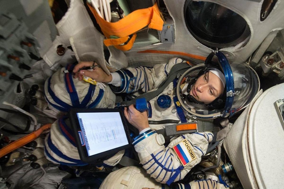 «Пусть будет стыдно за ложь»: Пересильд отрицает, что «отобрала» работу у космонавта