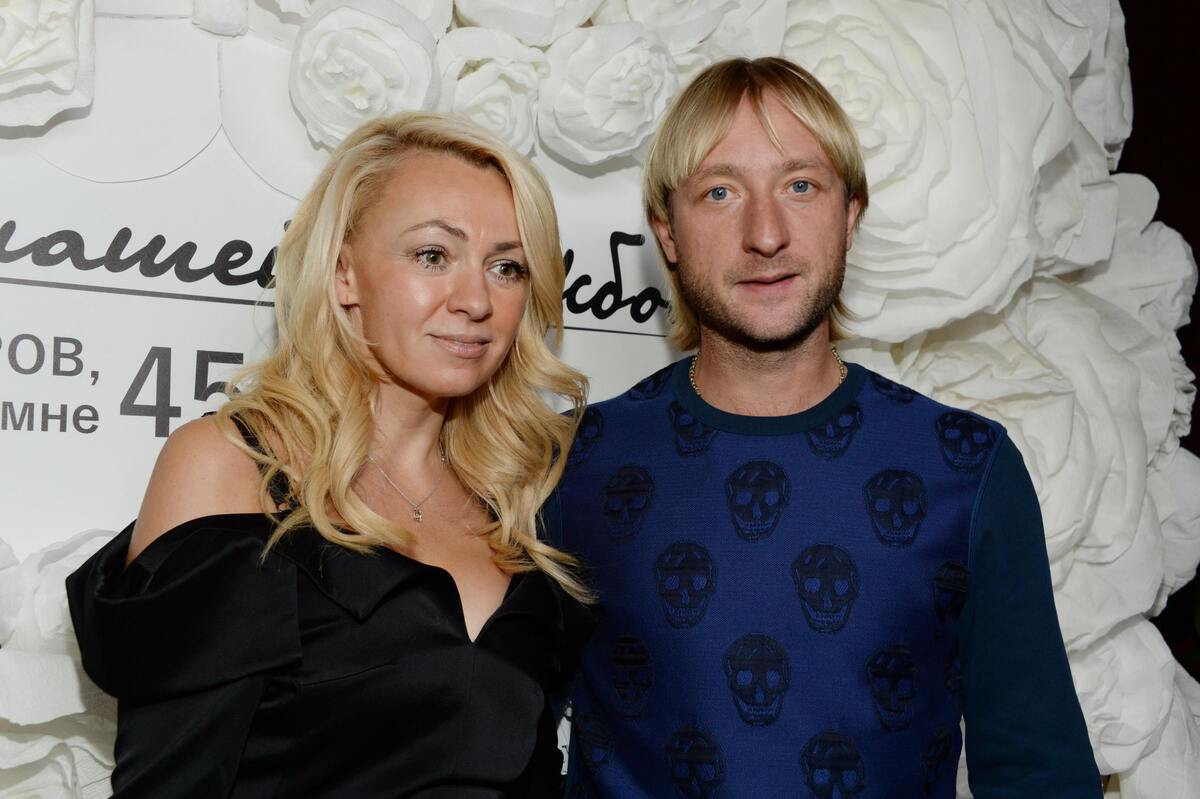 «Как кузнечик с паучихой»: Рудковская и Плющенко смутили соцсети чувственным танцем