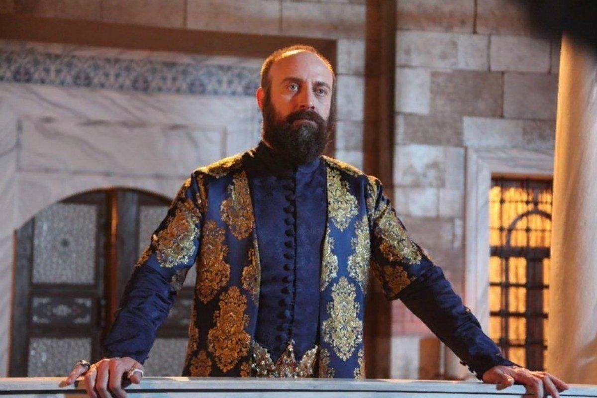 Кто озвучивал султана Сулеймана в «Великолепном веке» на русском?