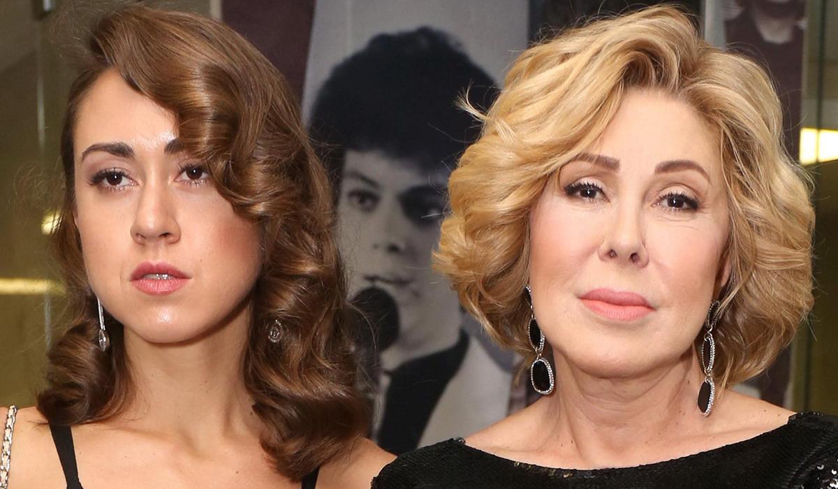 Нежный поцелуй: дочь Любови Успенской поздравила маму с днем рождения