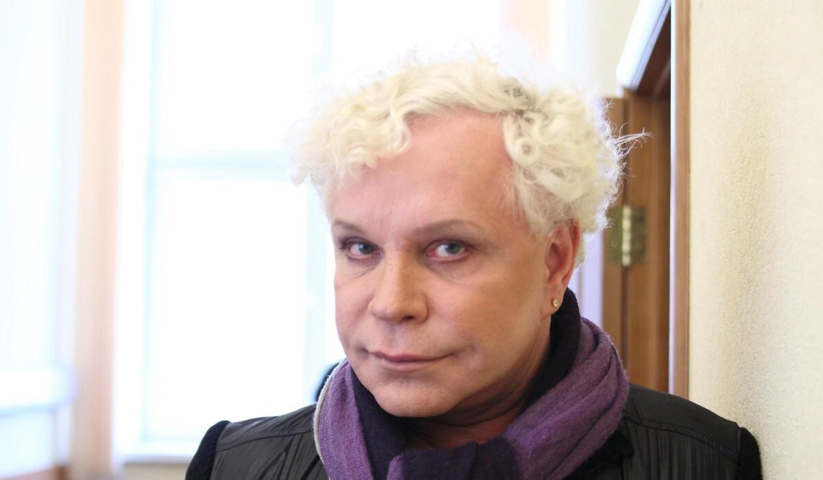 «Может, она что-то слышала, но это неправда»: директор Моисеева опроверг заявление Апиной о плохом состоянии артиста