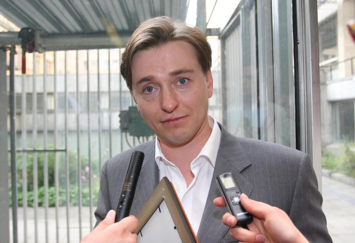 «Хотим отдыхать вдвоем»: Безруков мечтает о путешествии без детей