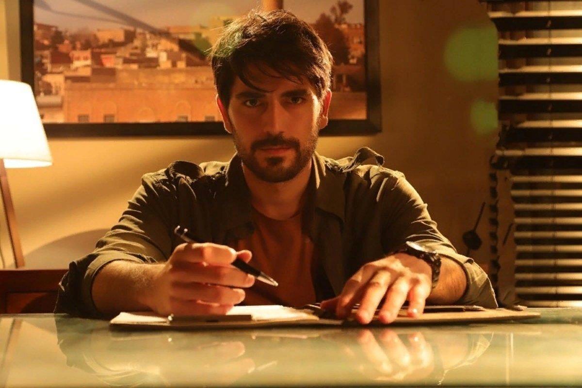 Кто играет Аслана в турецком сериале «Ветреный»?