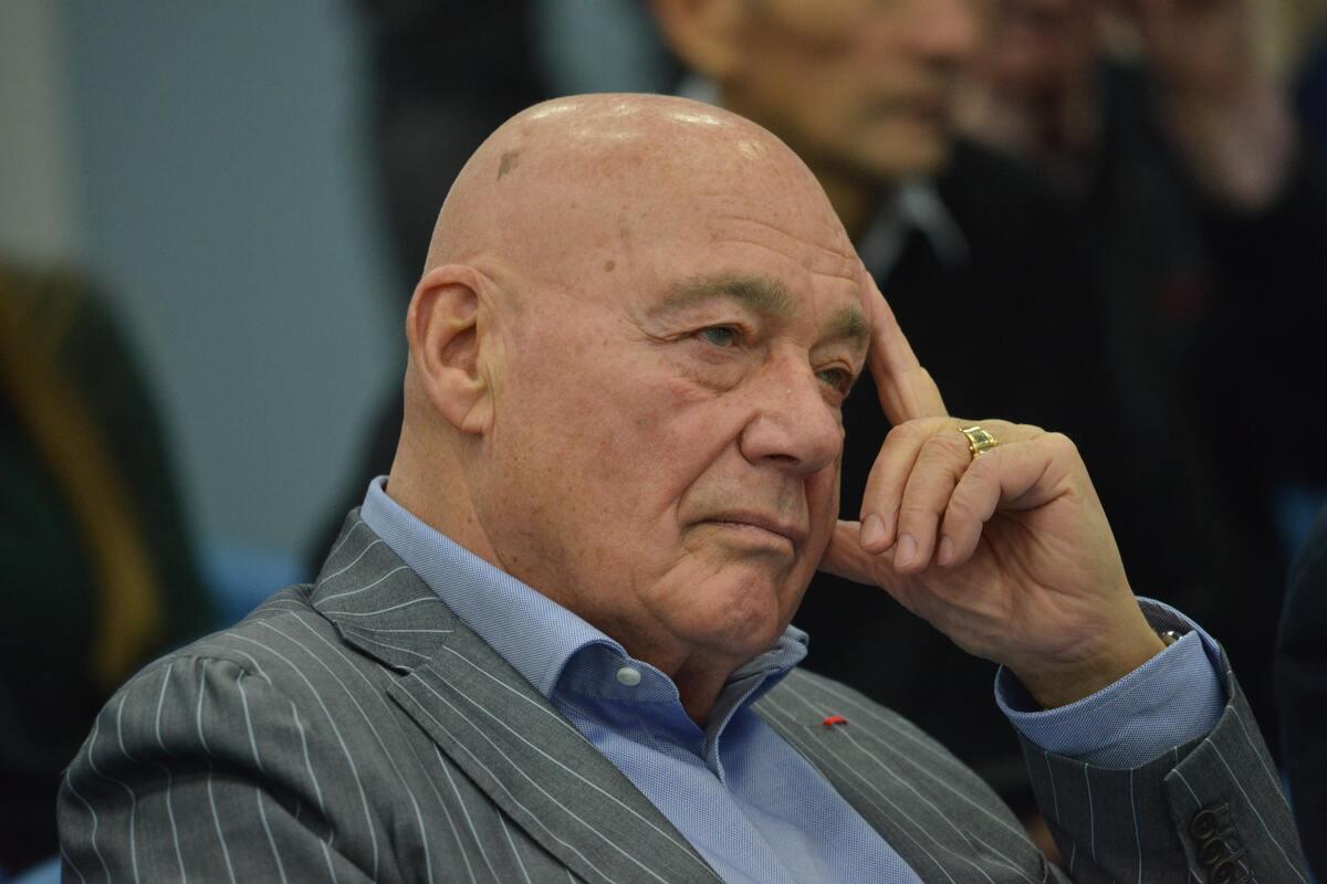 Познер опроверг скорую гибель института семьи в России