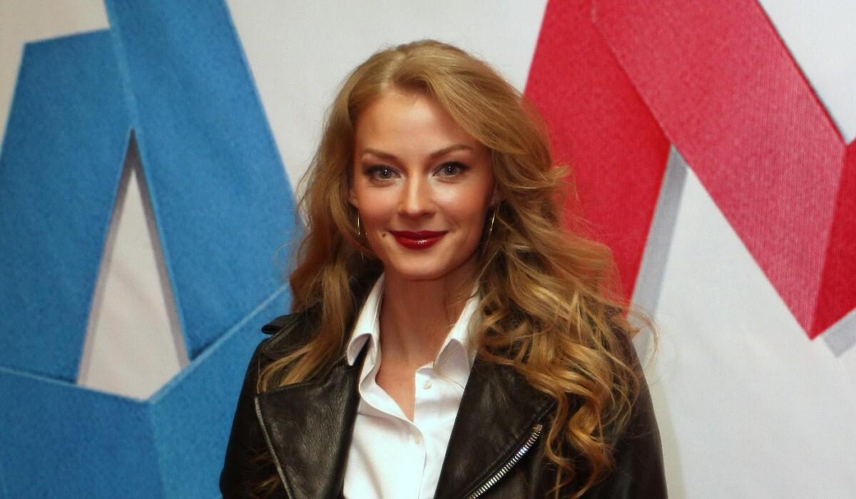 «Треним в ожидании весны»: Ходченкова показала соблазнительное видео выступления на пилоне