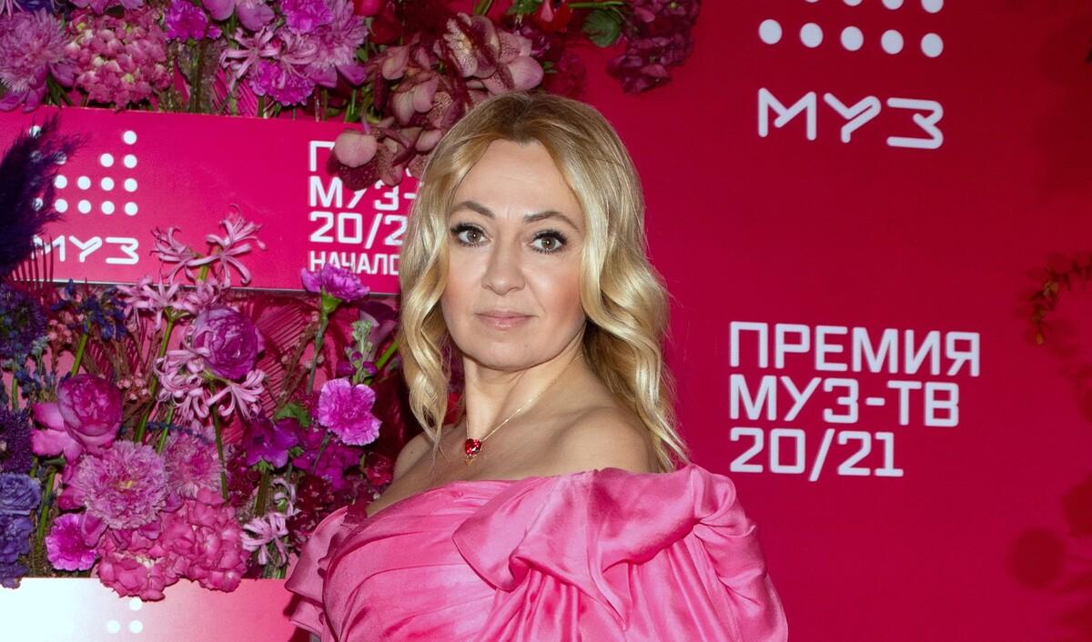 «Дадут 65 лет»: Рудковская отказалась показывать колени на фото