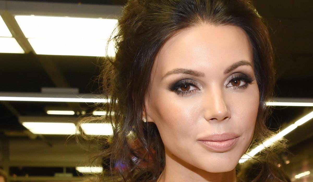 «Лежал там один весь в трубках»: Оксана Самойлова рассказала неизвестные раньше факты о рождении сына