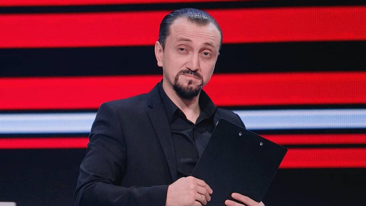«Как это развидеть?»: Дорохов удивил поклонников поцелуем с участником команды