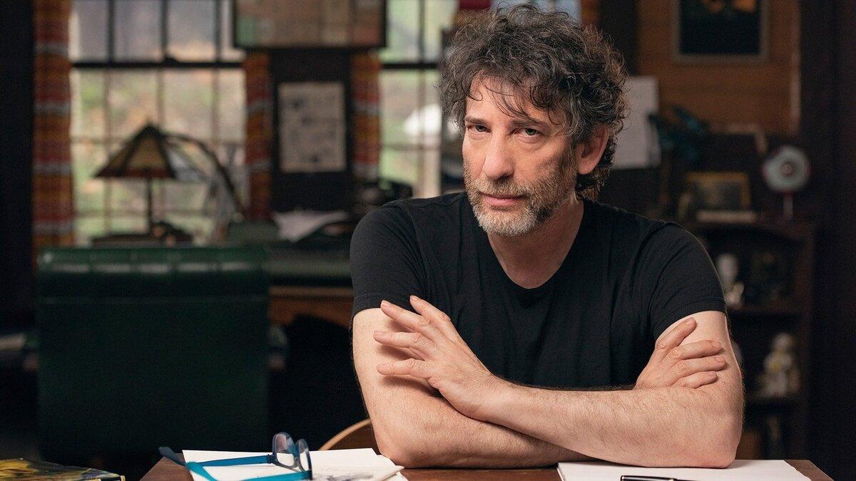 Нил Гейман жестко ответил на критику по поводу актерского состава сериала «Песочный человек»