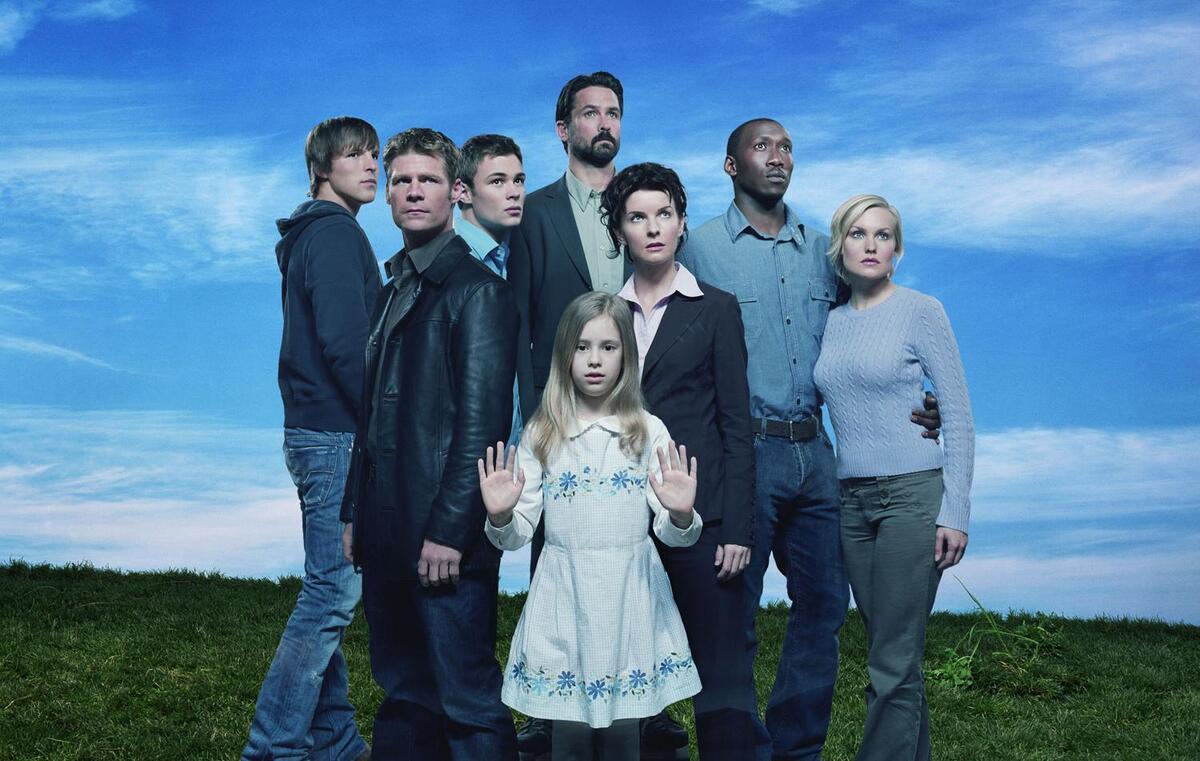 Канал CW показал постер предстоящего перезапуска сериала «Четыре тысячи четыреста»