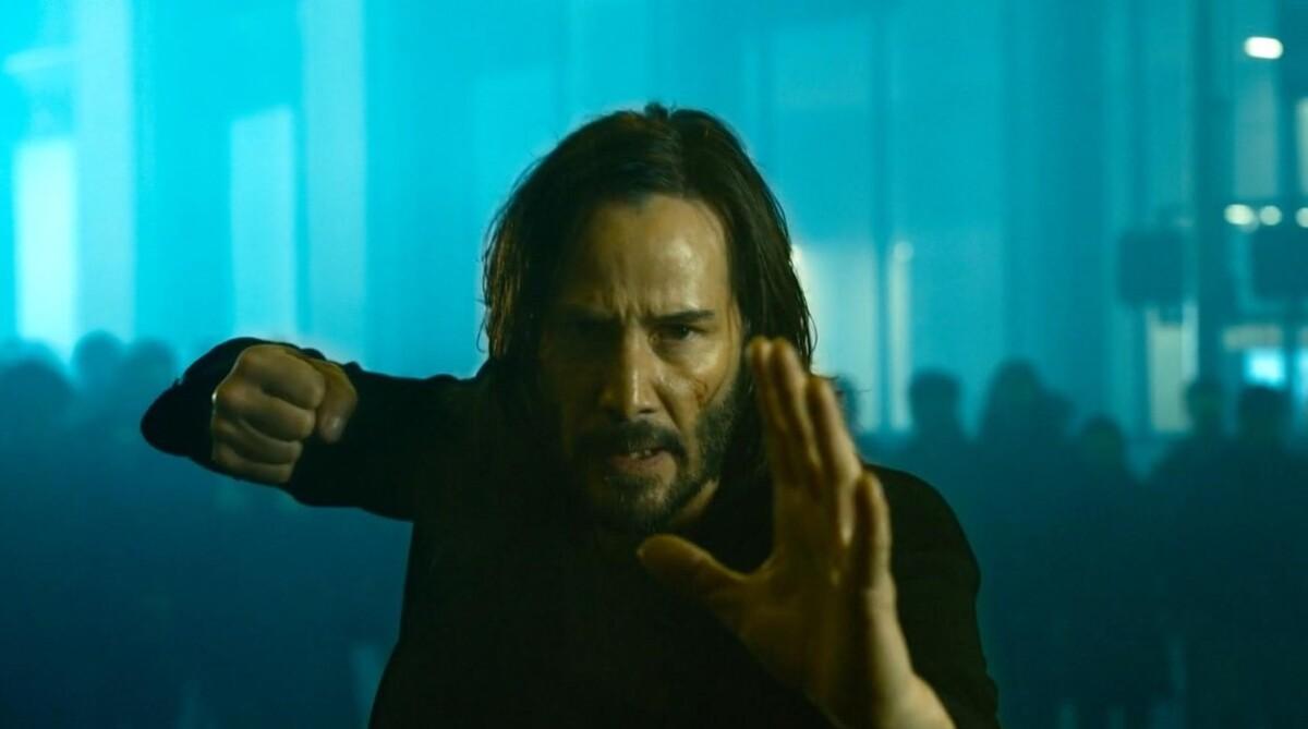 Кликни на красную или синюю: вышел первый тизер фильма «Матрица: Воскрешение»