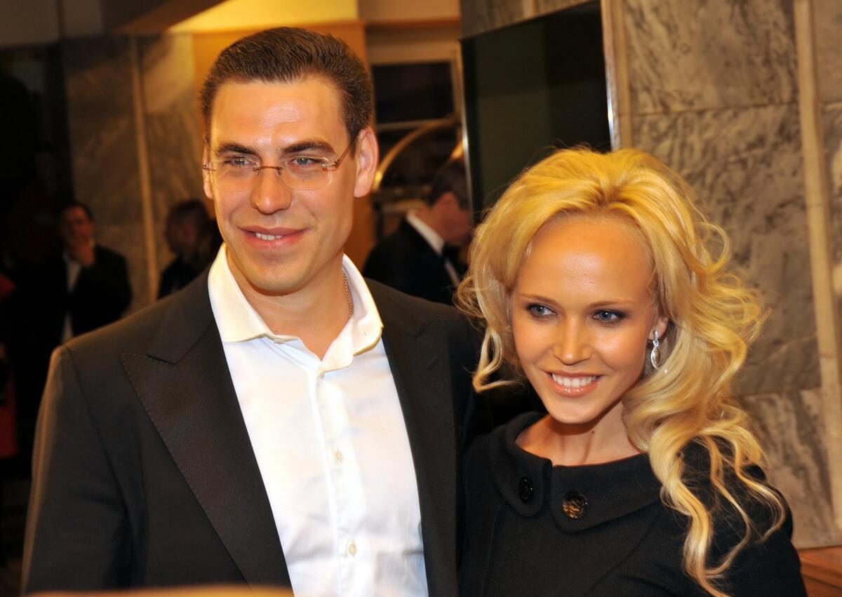 От Реввы до Дюжева: 5 российских звезд, крепкому браку которых можно позавидовать