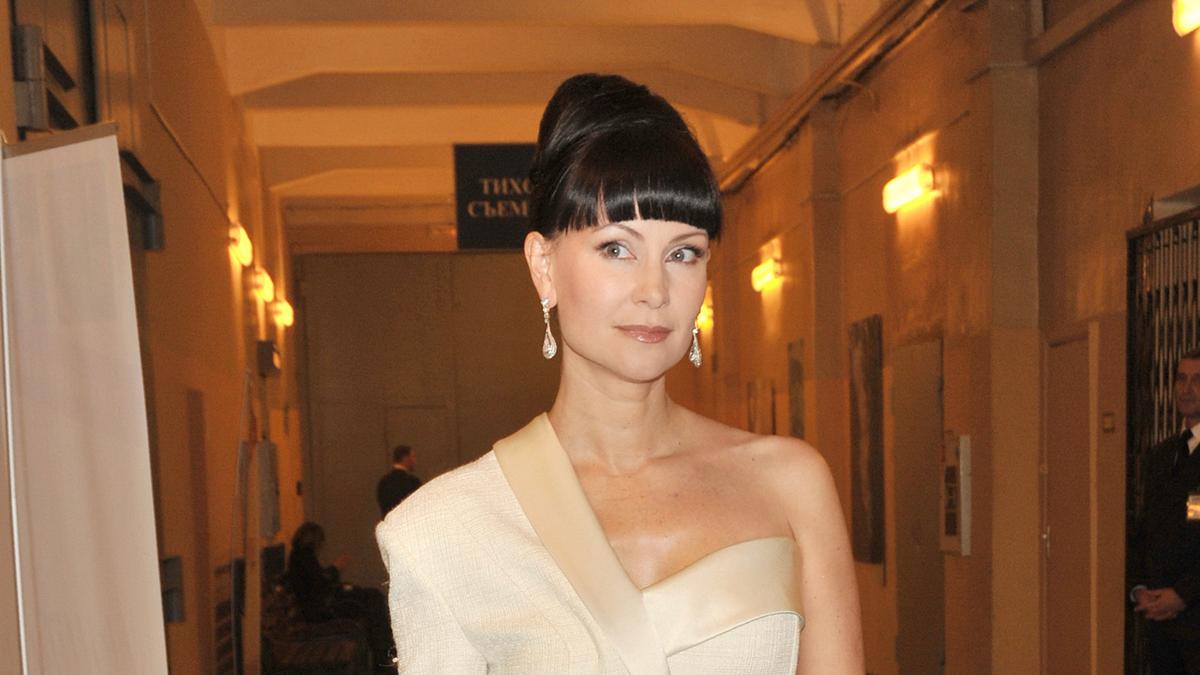 В театре Вахтангова отменили все спектакли с Нонной Гришаевой из-за болезни актрисы