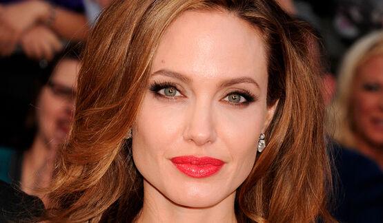 Анджелине Джоли не разрешили заменить судью в бракоразводном процессе против Питта